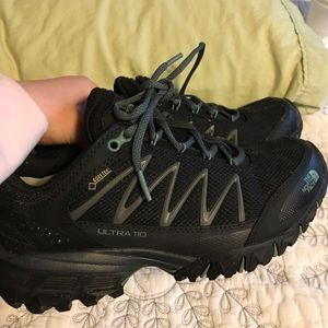 Northface women's 7.5 size trail running shoes